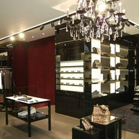 9/16/2012 tarihinde Yusri Echmanziyaretçi tarafından Louis Vuitton'de çekilen fotoğraf