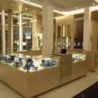 รูปภาพถ่ายที่ Montblanc Boutique โดย Yusri Echman เมื่อ 9/17/2012