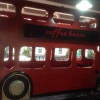 9/6/2014 tarihinde Şahin G.ziyaretçi tarafından Coffee House London'de çekilen fotoğraf