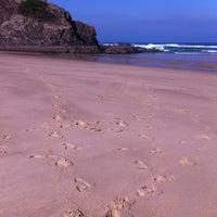 Foto tirada no(a) Praia de Odeceixe por José C. em 7/22/2013