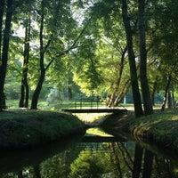 Das Foto wurde bei Воронцовский парк von Polina G. am 6/26/2013 aufgenommen