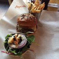 Foto tomada en Burger & Lobster por closed ⚖. el 8/6/2014
