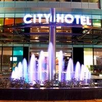 10/3/2012 tarihinde ♏️UTLU .ziyaretçi tarafından City Hotel'de çekilen fotoğraf