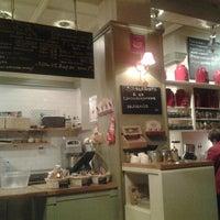 3/20/2013 tarihinde Vladislav V.ziyaretçi tarafından Café Ma Baker'de çekilen fotoğraf