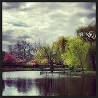 Photo prise au Queen Mary's Gardens par Isa L. le4/27/2013