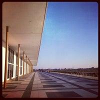 Das Foto wurde bei Kennedy Center- Terrace Theatre von Isa L. am 4/16/2014 aufgenommen
