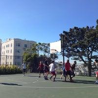 11/3/2012 tarihinde Lawrence C.ziyaretçi tarafından Alice Marble Tennis Courts'de çekilen fotoğraf