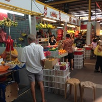 Photo taken at Bukit Merah View Market & Food Centre by Sarun P. on 9/1/2013