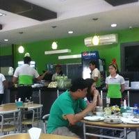 12/14/2012 tarihinde Angelito M.ziyaretçi tarafından Nathaniel's'de çekilen fotoğraf