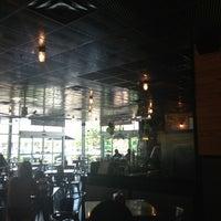 รูปภาพถ่ายที่ BurgerFi โดย Paul N. เมื่อ 7/31/2013
