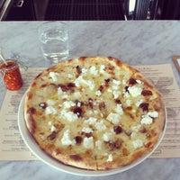 Photo prise au Pizzeria Il Fico par Kelly B. le2/13/2013