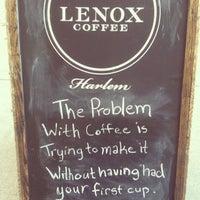 7/7/2013 tarihinde Sara K.ziyaretçi tarafından Lenox Coffee'de çekilen fotoğraf