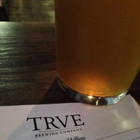 Photo prise au TRVE Brewing Co. par Taylor B. le7/12/2013