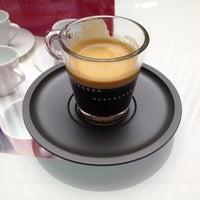 Das Foto wurde bei Nespresso Boutique von Sabrina am 4/2/2013 aufgenommen
