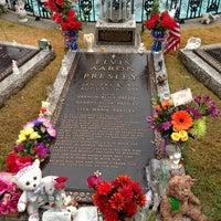 12/8/2012에 Jonathan L.님이 Elvis's Grave에서 찍은 사진