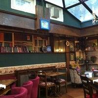 11/23/2012 tarihinde Gökhan T.ziyaretçi tarafından Cafe Rea'de çekilen fotoğraf