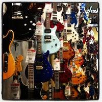 Photo taken at Guitar Center by Vero A e. on 7/18/2013