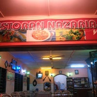 Photo taken at Restoran Nazaria by Mohammad Azrin A. on 1/27/2013