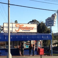 Photo taken at Fosters Freeze by Thirsty J. on 11/4/2012