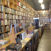 Photo taken at Hennessey + Ingalls Bookstore by Thirsty J. on 1/29/2013