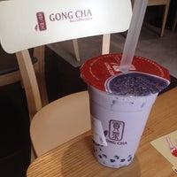 Photo taken at 貢茶(공차) / GONG CHA by Jisun M. on 4/13/2014