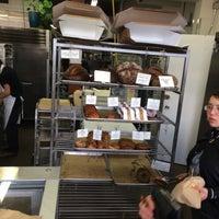 Foto tirada no(a) Neighbor Bakehouse por Yinnie L. em 11/16/2017