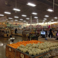 Photo taken at Sprouts Farmers Market by Onechot O. on 2/6/2015
