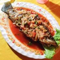 Photo taken at Ja La Seafood by Ihsan K. on 12/21/2013