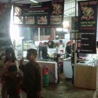 Photo taken at Backyard Grill Burger by Zaimy Azwa A. on 10/7/2012