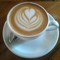 Foto tomada en Davis Street Espresso por Lukas K. el 8/30/2014