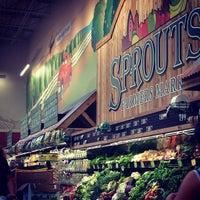 Foto scattata a Sprouts Farmers Market da Remi T. il 8/16/2014