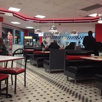Photo taken at Steak 'n Shake by Steve S. on 10/21/2012