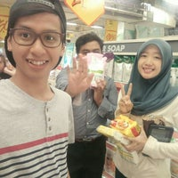 Photo taken at Giant by Farizam A. on 4/5/2016