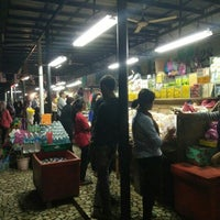 Photo taken at Lot6 Fruits & Juice Stall 1st Tg. Aru Beach by Farizam A. on 3/19/2016