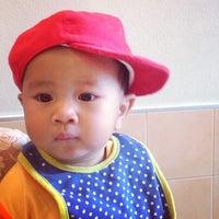 Photo taken at Pizza Hut by Jakapan C. on 2/2/2014