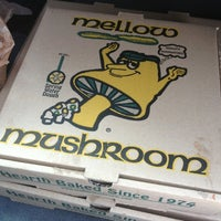 Photo taken at Mellow Mushroom by Brett D. on 1/24/2013