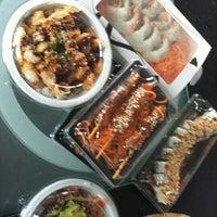Снимок сделан в Sozo Sushi пользователем Emma T. 4/16/2016