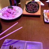 Photo taken at Yosugiru Sushi by Guilherme R. on 5/27/2013