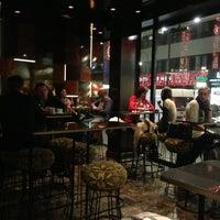 Das Foto wurde bei Café Bar Bloom von mona h. am 12/28/2012 aufgenommen