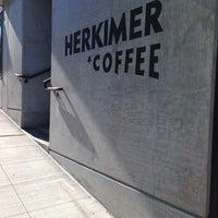 รูปภาพถ่ายที่ Herkimer Coffee โดย Michael Y. เมื่อ 6/25/2014