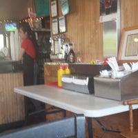 Photo taken at Burger Express by Tac M. on 5/17/2014