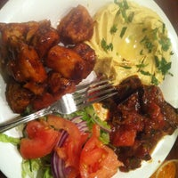 Das Foto wurde bei Omar's Mediterranean Cuisine & Bakery von Candice I. am 1/7/2013 aufgenommen