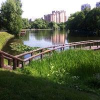 Foto tirada no(a) Воронцовский парк por Жора К. em 7/18/2013
