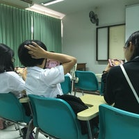 Photo taken at อาคาร 2 คณะพยาบาลศาสตร์ by Parn K. on 10/19/2016