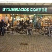 2/10/2013 tarihinde Mustafa U.ziyaretçi tarafından Starbucks'de çekilen fotoğraf