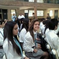 Foto diambil di Colegio Antupirén oleh Fran K. pada 12/14/2012