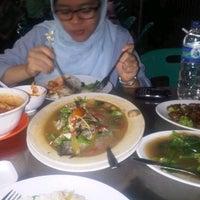 Photo taken at Wajir Seafood by Ahmad H. on 9/28/2012