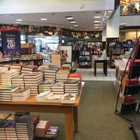 Photo taken at Barnes & Noble by Ryan G. on 12/13/2017