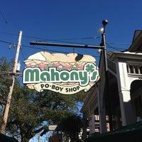 Foto diambil di Mahony's Po-Boy Shop oleh David C. pada 1/31/2013