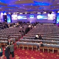 Foto diambil di Hilton Istanbul Convention & Exhibition Center oleh Faruk A. pada 5/22/2013